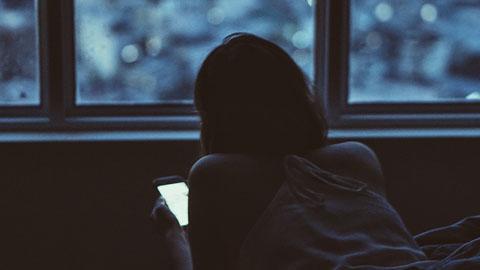 Social media use and disturbed sleep